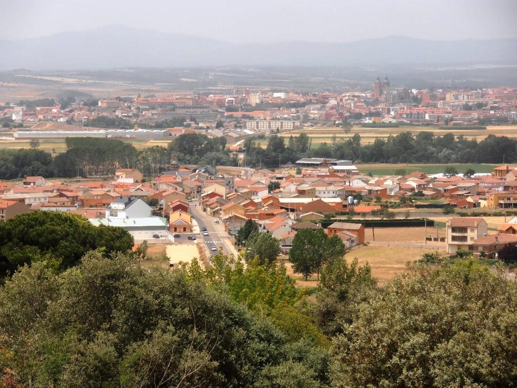 Fotos del municipio ayuntamiento de san justo de la vega for Ayuntamiento de villel de mesa